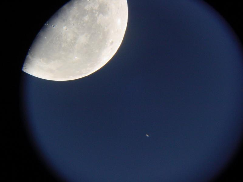 Moon and Saturn just before occultation 2001